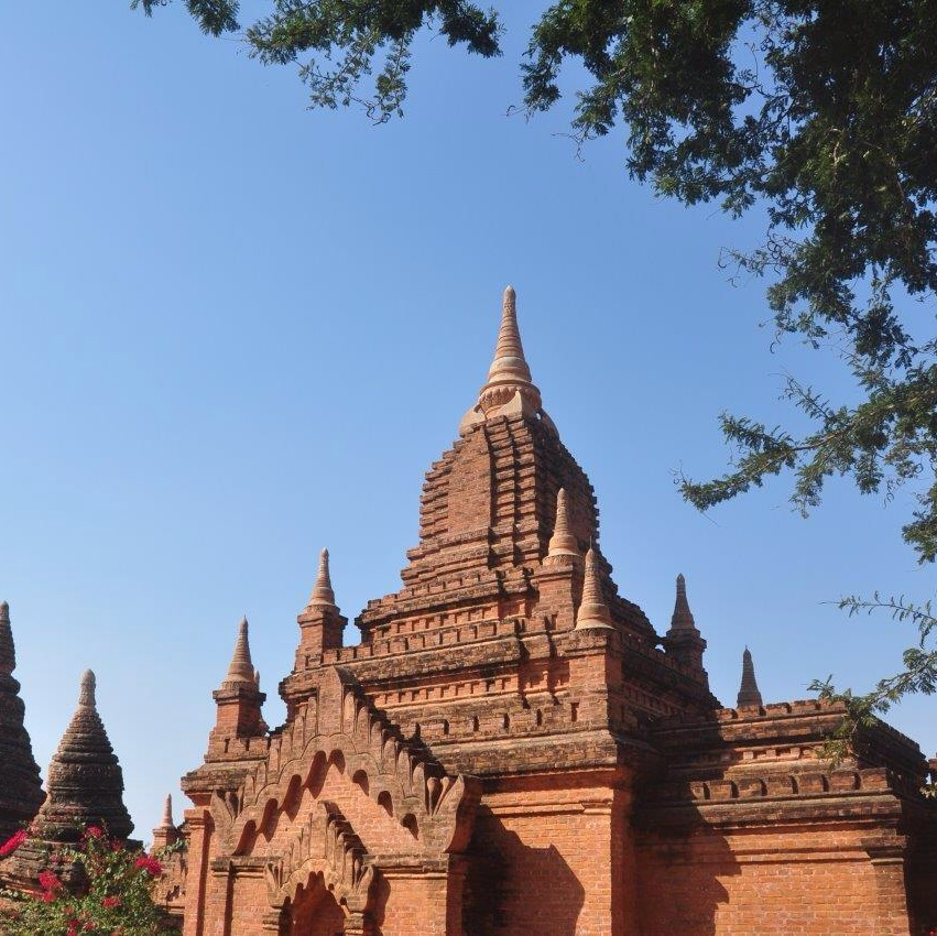 Khay_Min_Gha_Temple_in_the_Sun